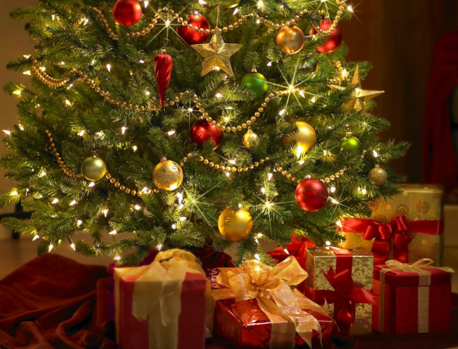 poll have you put up your christmas tree yet - When Do You Put Up Your Christmas Tree