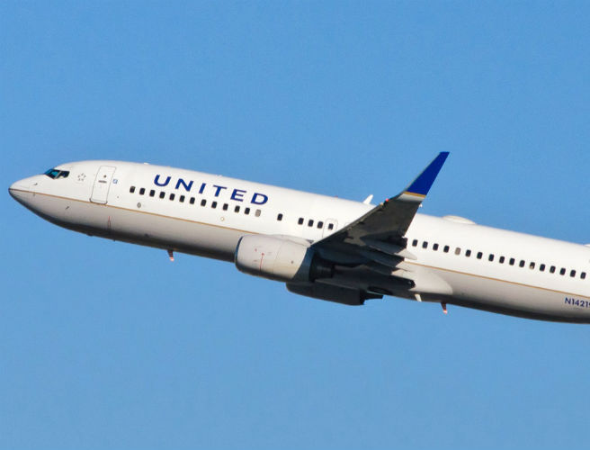United Airlines slammed after barring girls in leggings