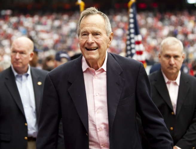 George H W Bush hospitalised with pneumonia for a second time