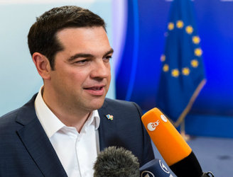 Greece to get €7bn bridging loan