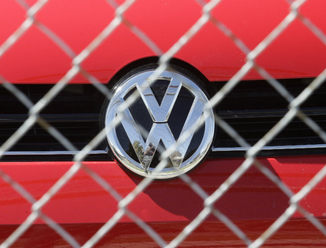 Investors seek damages worth €8.2bn from Volkswagen