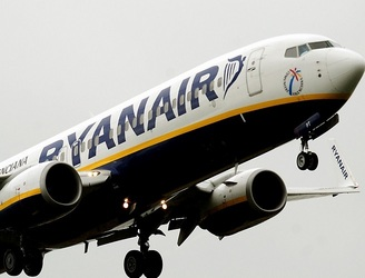 "Ryanair looking at ""further fare reductions"" this year"