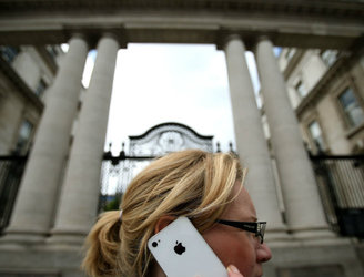 Apple warns that the UK is trying to force its surveillance laws on companies in Ireland