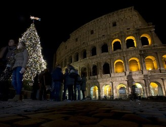 "Italian principal who ""cancelled Christmas"" resigns amid ongoing controversy"