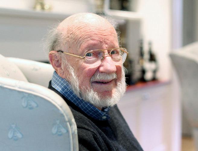 Donegal scientist to collect Nobel prize for medicine
