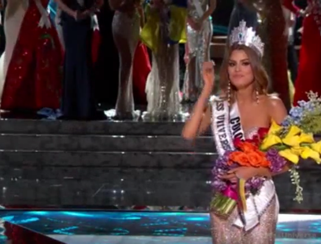 WATCH: Steve Harvey announced the wrong winner of Miss Universe last night and it made great live TV