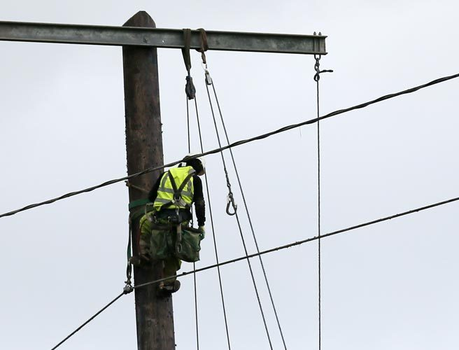 Hundreds of homes without power this Christmas night