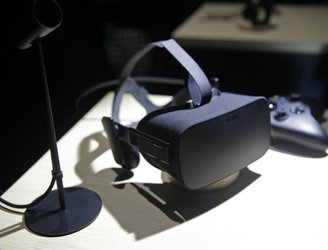 Virtual reality device Oculus Rift to launch in March, will cost €700