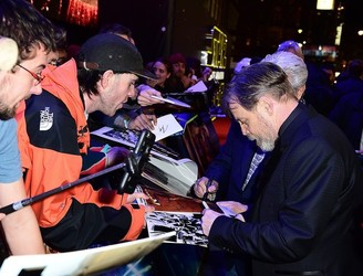 """It's a trap!"" – 'Star Wars' star Mark Hamill joins the fight against fake autographs"