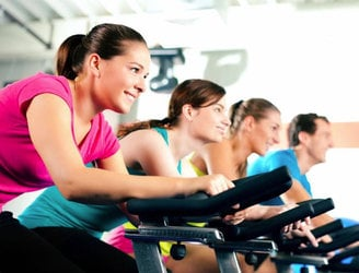 What are the main trends in Ireland's fitness industry in 2016?