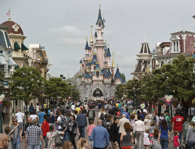 Man arrested with two handguns at Disneyland Paris