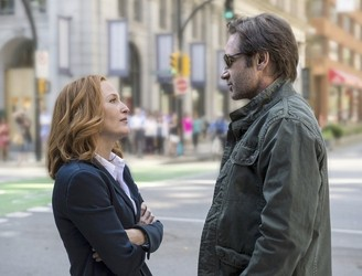 Outside the Box: 'The X Files' outfoxes newcomers with a trip down memory lame