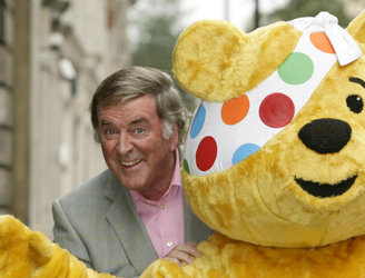 Veteran Irish broadcaster Terry Wogan dies aged 77