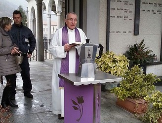 'Ashes to ashes, grounds to grounds' – Coffee giant Renato Bialetti has ashes stored in giant Moka pot