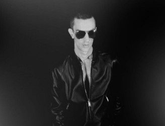"LISTEN: Richard Ashcroft releases ""This Is How It Feels"", first new single in six years"
