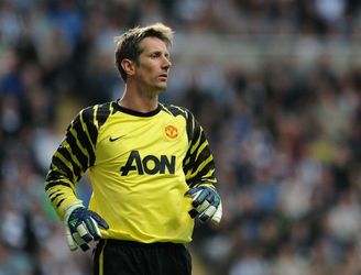 Edwin van der Sar to step out of retirement for one match
