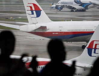 Plane debris 'almost certainly' from missing flight MH370