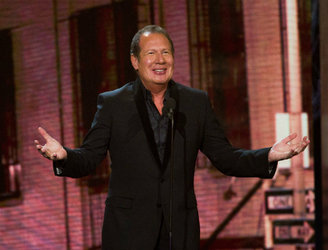 """One of the most influential comedians of a generation"" - Tributes paid to Garry Shandling"