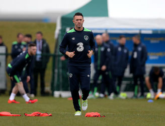 "Robbie Keane expected to be sidelined for ""4-6 weeks"" after knee surgery"