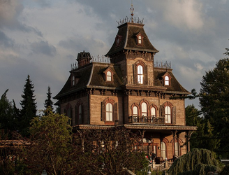 Body of dead employee discovered in Disneyland Paris haunted house