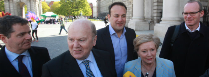 government, deal, talks, discussions, negotiations, fine gael, fianna fail