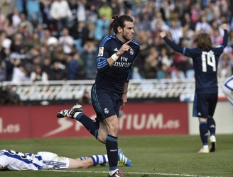 Gareth Bale fired Real Madrid temporarily top of La Liga