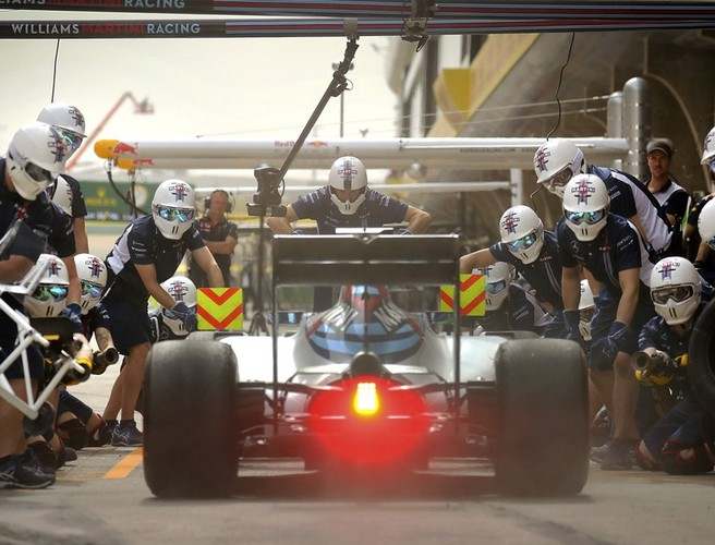 Nurses call on F1 pit crew to help save lives