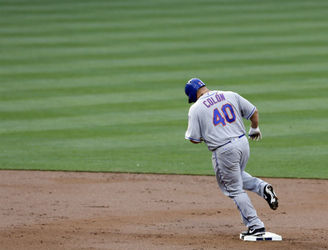 New York Mets pitcher Bartolo Colón scores first ever home run at 42