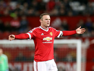 Wayne Rooney targets midfield future