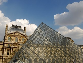 Louvre closed tomorrow due to Paris flooding