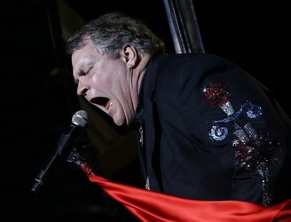 WATCH: Meat Loaf collapses on stage in Canada