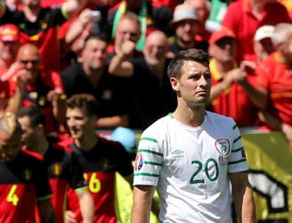 "Wes Hoolahan reacts to a ""difficult"" match for both himself and Ireland"