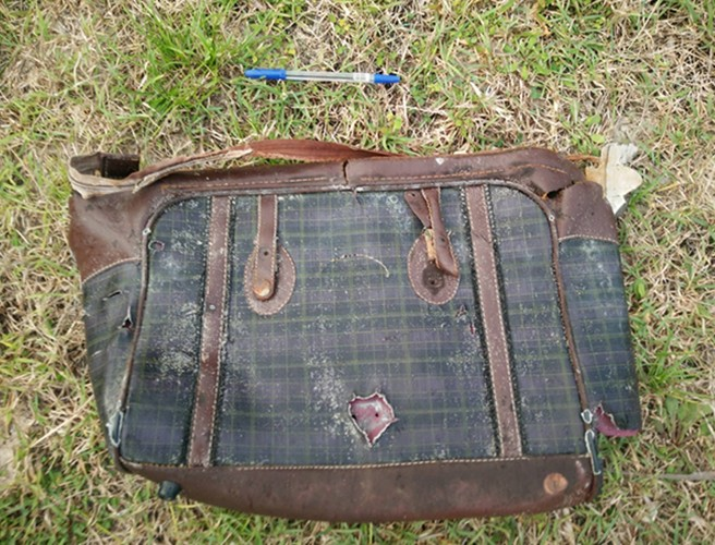 Photos of possible MH370 passenger items shared online