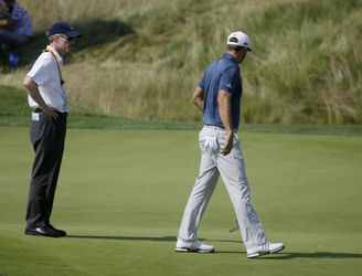 """Amateur hour"" and a ""farce"" - golfers react to US Open controversy"