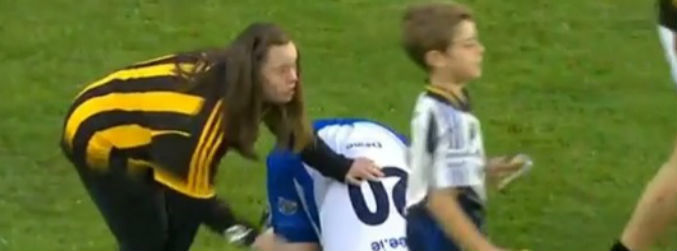 WATCH: Kilkenny fans consoles Pauric Mahony after Thurles classic