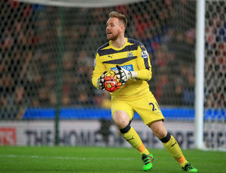 Ireland goalkeeper Rob Elliot given contract extension with Newcastle