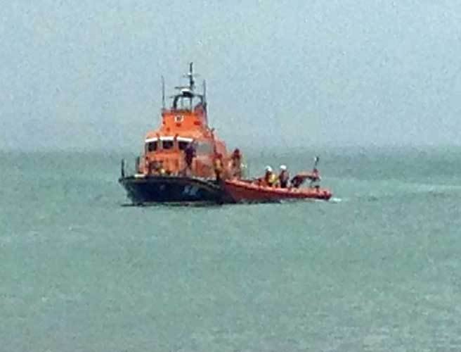 Three people rescued from sinking fishing boat off cork for 3 person fishing boat