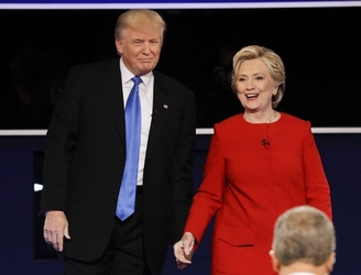 Polls show Clinton leads in five key battleground states after first debate