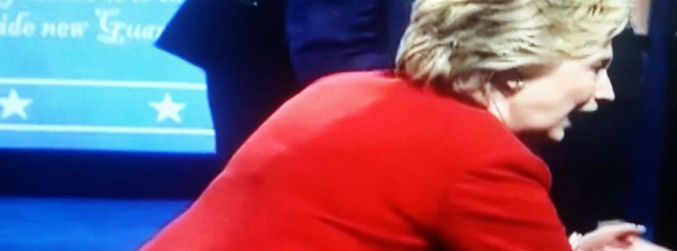 Conspiracy theorists spark new 'girther movement' over Clinton's mic pack