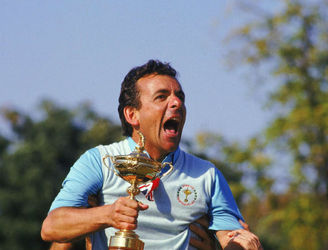 Ryder Cup-winning captain Tony Jacklin feels USA appear to be 2016 favourites on paper