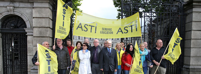 Secondary school closures likely, as ASTI ballot result expected today
