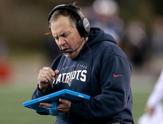 "Microsoft and NFL defend Surface tablets after Patriots coach says they're too ""undependable"""