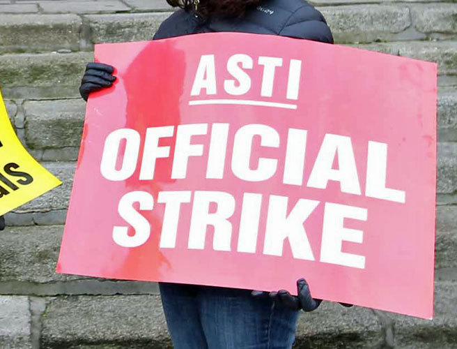 200000 students shut out as teachers' pay row rumbles on
