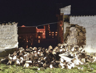 Villages badly damaged as earthquakes hit central Italy