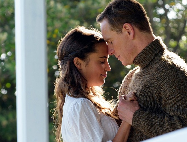 Review: As old-fashioned sentiment goes, 'The Light Between Oceans' rolls in the weep