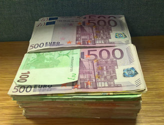 Revenue seizes €14,000 in cash at Shannon Airport