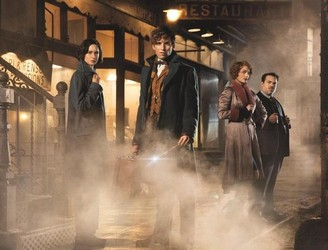 Review: 'Fantastic Beasts' is visual magic, but clumsily develops its dark side