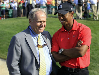 Jack Nicklaus thinks Tiger Woods can beat his major record
