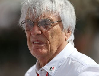"""I don't think anybody is going to beat Lewis"" - Bernie Ecclestone tips Hamilton to dominate next year"