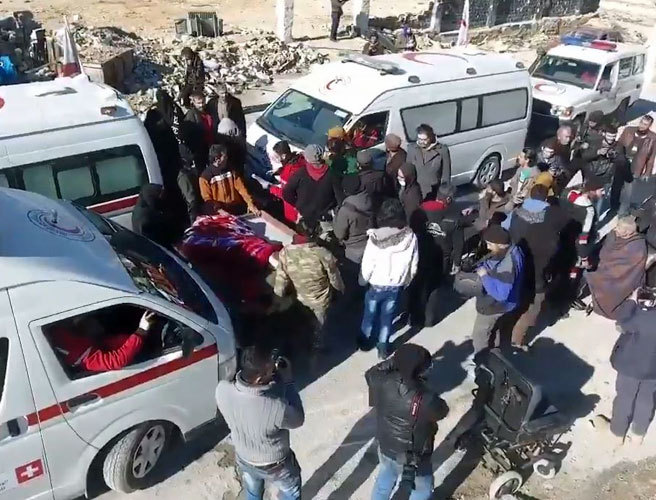 'Buses attacked' amid Syria evacuation stand-off